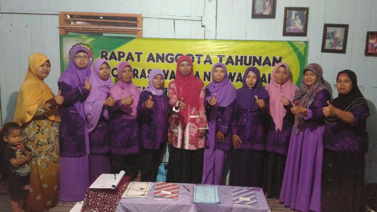 Rapat Anggota Tahunan (RAT) Koperasi Wanita Nyi Walidah Desa Semenpinggir Kecamatan Kapas pada tanggal 30 Januari 2017 bertempat di rumah Ibu Siti Sulastri